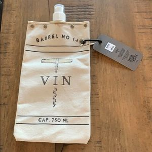 Tote + able wine